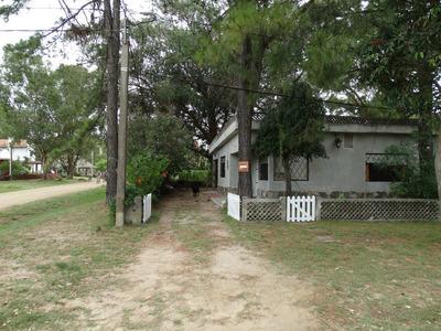 Casa Funcional En Piriapolis,playa Grande. A 2 Del Mar,cable