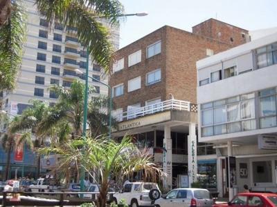 Alquiler Excelente Apto Av. Gorlero, Punta Del Este