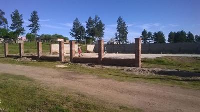 Terreno Con Platea Y Muro Perimetral