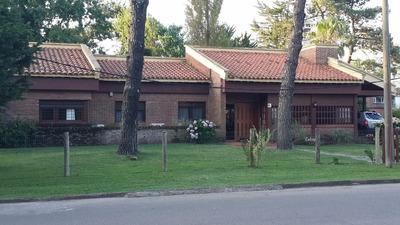Casa Para Dos Familia, En Barrio Paradas, Pada 13 Mansa